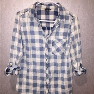 Tops - Medium button up blue checkered shirt